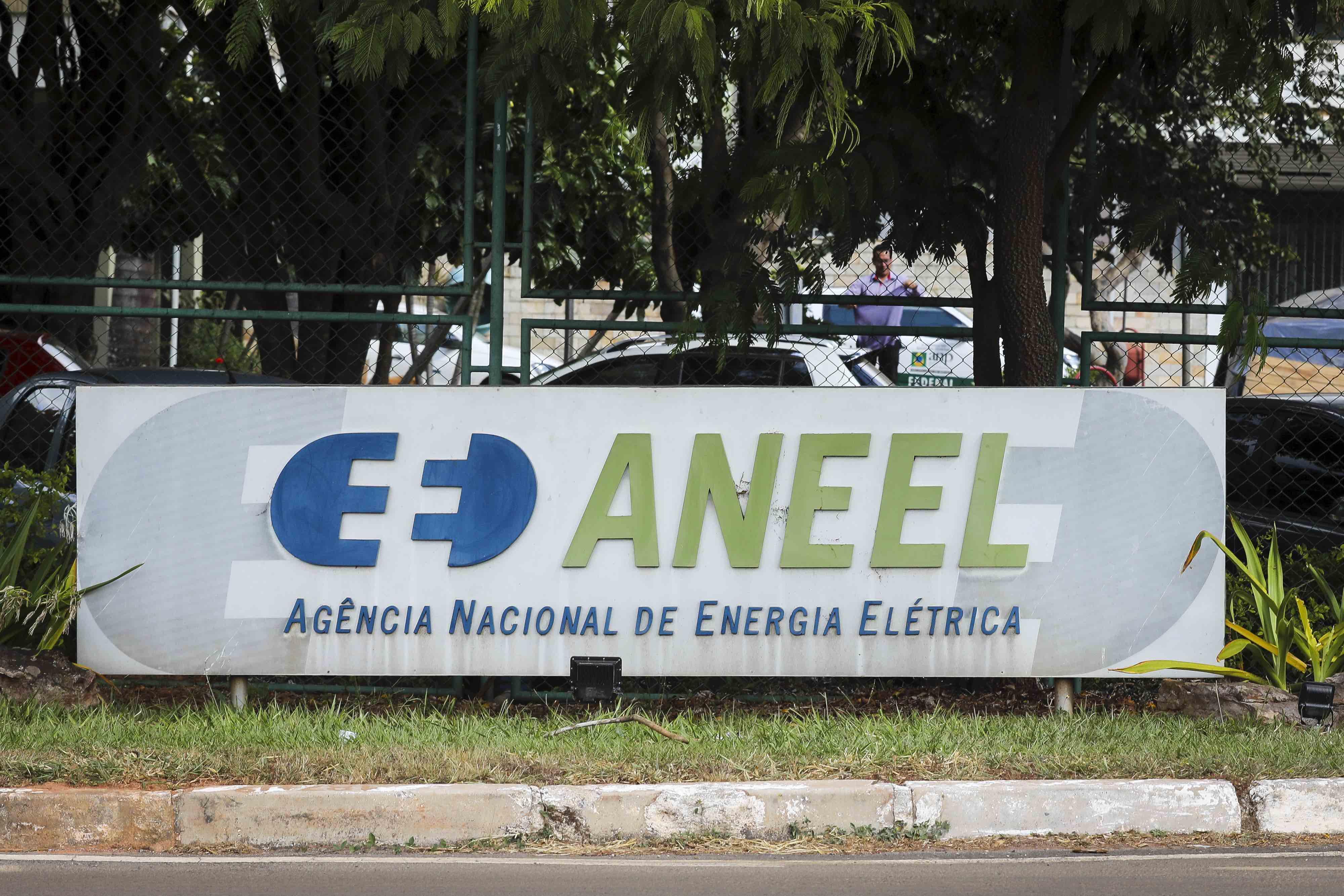 Suspensa decisão que interferiu na remuneração das distribuidoras de energia elétrica